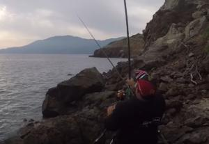 Αιγαίο: Το καλάμι έγινε ξαφνικά ασήκωτο – Η στιγμή που βλέπουν το ψάρι και ξεσπούν σε έξαλλους πανηγυρισμούς – video