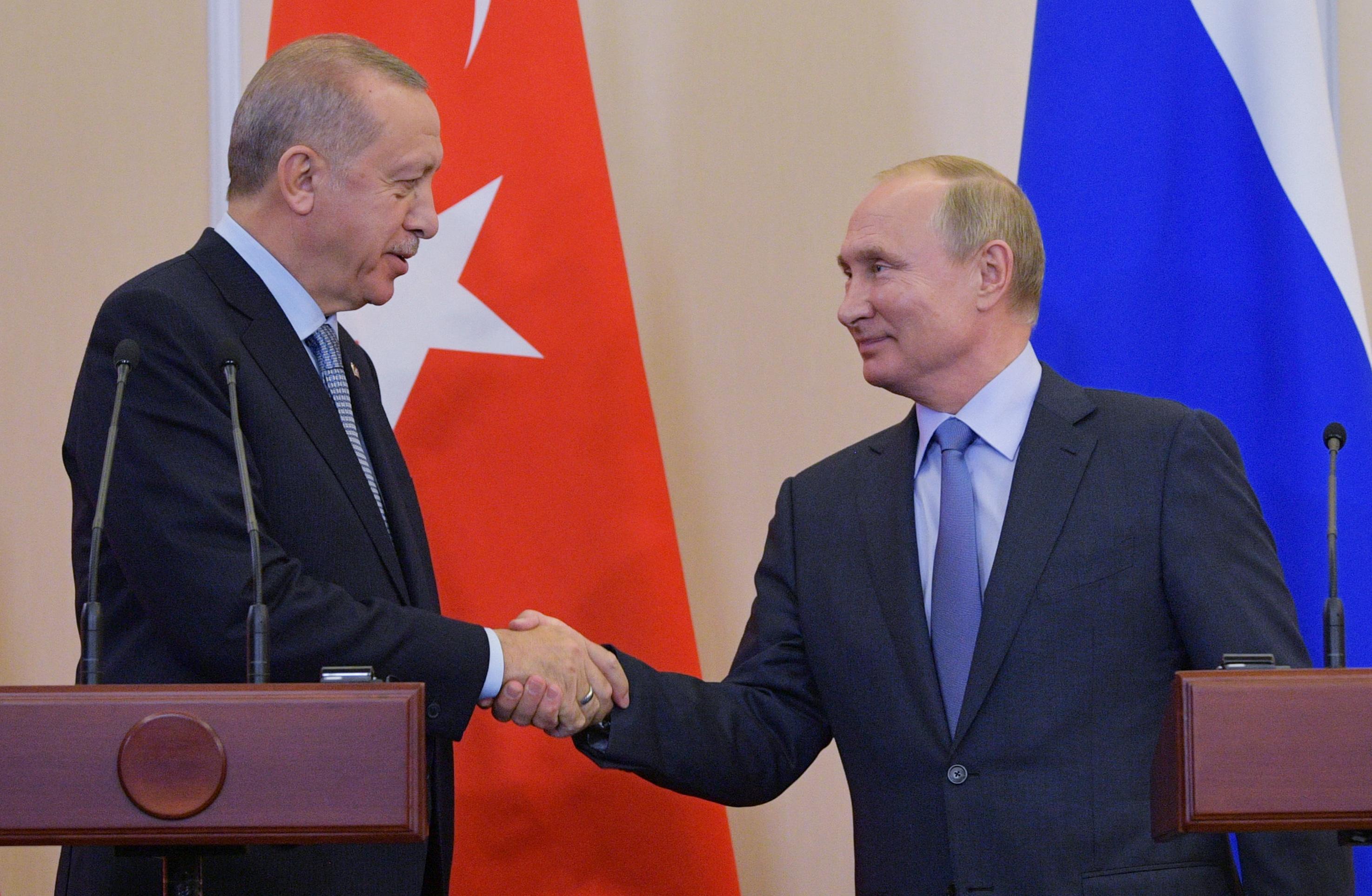 Συρία: Όλα όσα περιλαμβάνει η συμφωνία Ερντογάν - Πούτιν για τους Κούρδους - Ρωσία: Οι ΗΠΑ τους εγκατέλειψαν