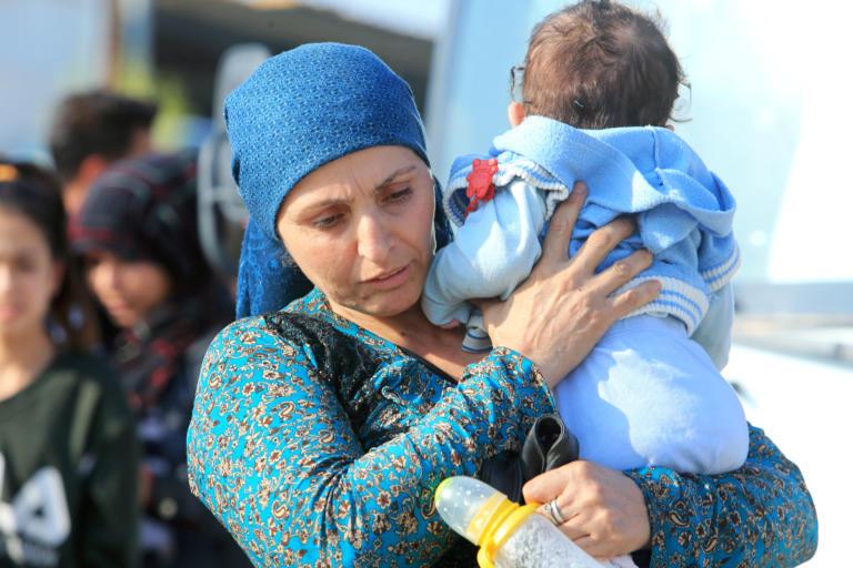 """Διεθνής Αμνηστία: Η Τουρκία στέλνει με τη βία πρόσφυγες στη """"ζώνη ασφαλείας"""""""