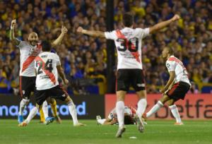 Κόπα Λιμπερταδόρες: Υποδοχή ηρώων για τους παίκτες της Ρίβερ! Στον τελικό μετά το ντέρμπι με τη Μπόκα – videos