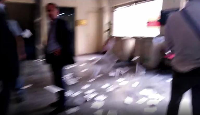Βίντεο από την εισβολή του Ρουβίκωνα στο υπουργείο Εργασίας – Έξι προσαγωγές