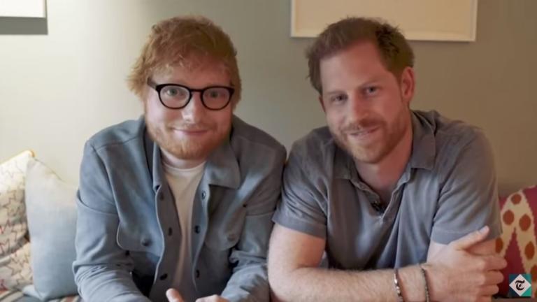 Οι… κοκκινομάληδες πρίγκιπας Χάρι και Ed Sheeran σε ένα φανταστικό «ντουέτο» για την Παγκόσμια Ημέρα Ψυχικής Υγείας
