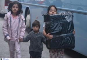Σύμη: Αποσυμφόρηση με πλοίο του Πολεμικού Ναυτικού – Στον Πειραιά 500 πρόσφυγες και μετανάστες!