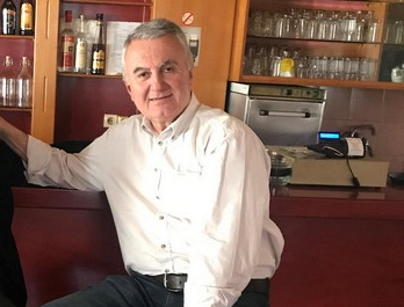Αστακός: Πρώην δήμαρχος απείλησε να κόψει τις φλέβες του μέσα στο Δημοτικό Συμβούλιο!