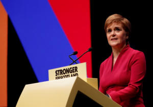 Βρετανία: Στέρτζον προτρέπει τον Κόρμπιν να ταχθεί υπέρ των πρόωρων εκλογών