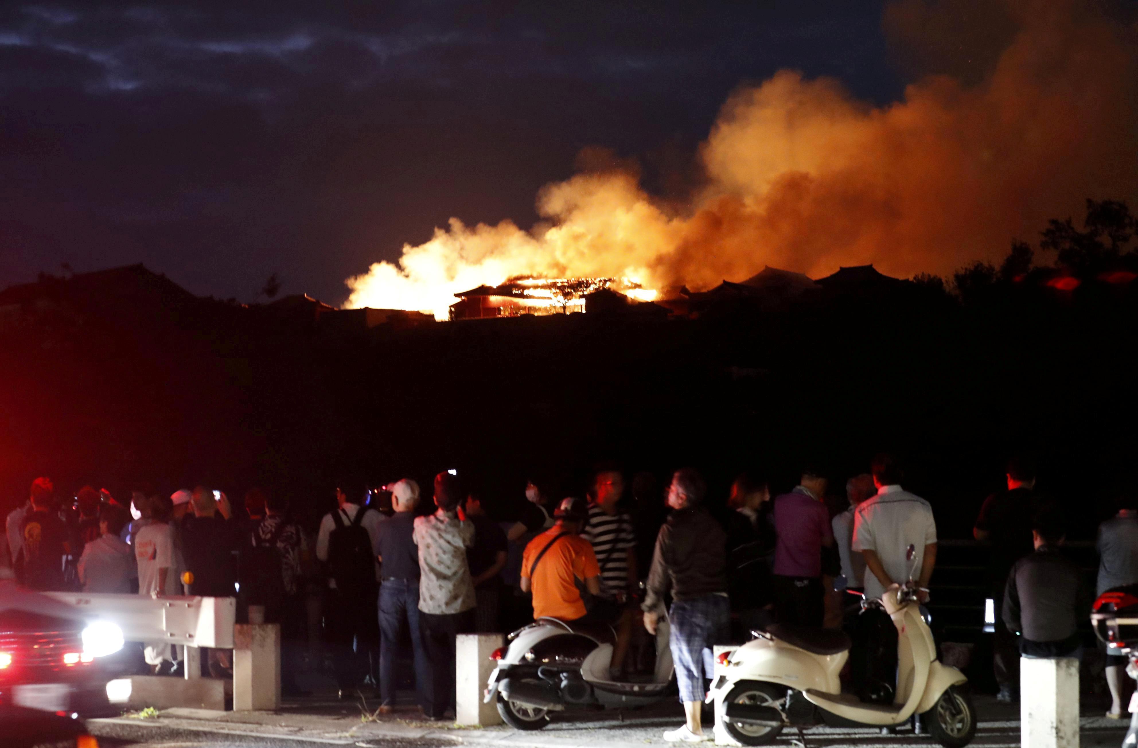 Ιαπωνία: Τεράστια πολιτιστική καταστροφή! Κάηκε το ιστορικό κάστρο του Σούρι – video