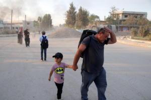 Συρία: Διαψεύδει τις φρικαλεότητες η Άγκυρα – Κάτοικοι εκτοπίζονται κατά χιλιάδες από τα σπίτια τους