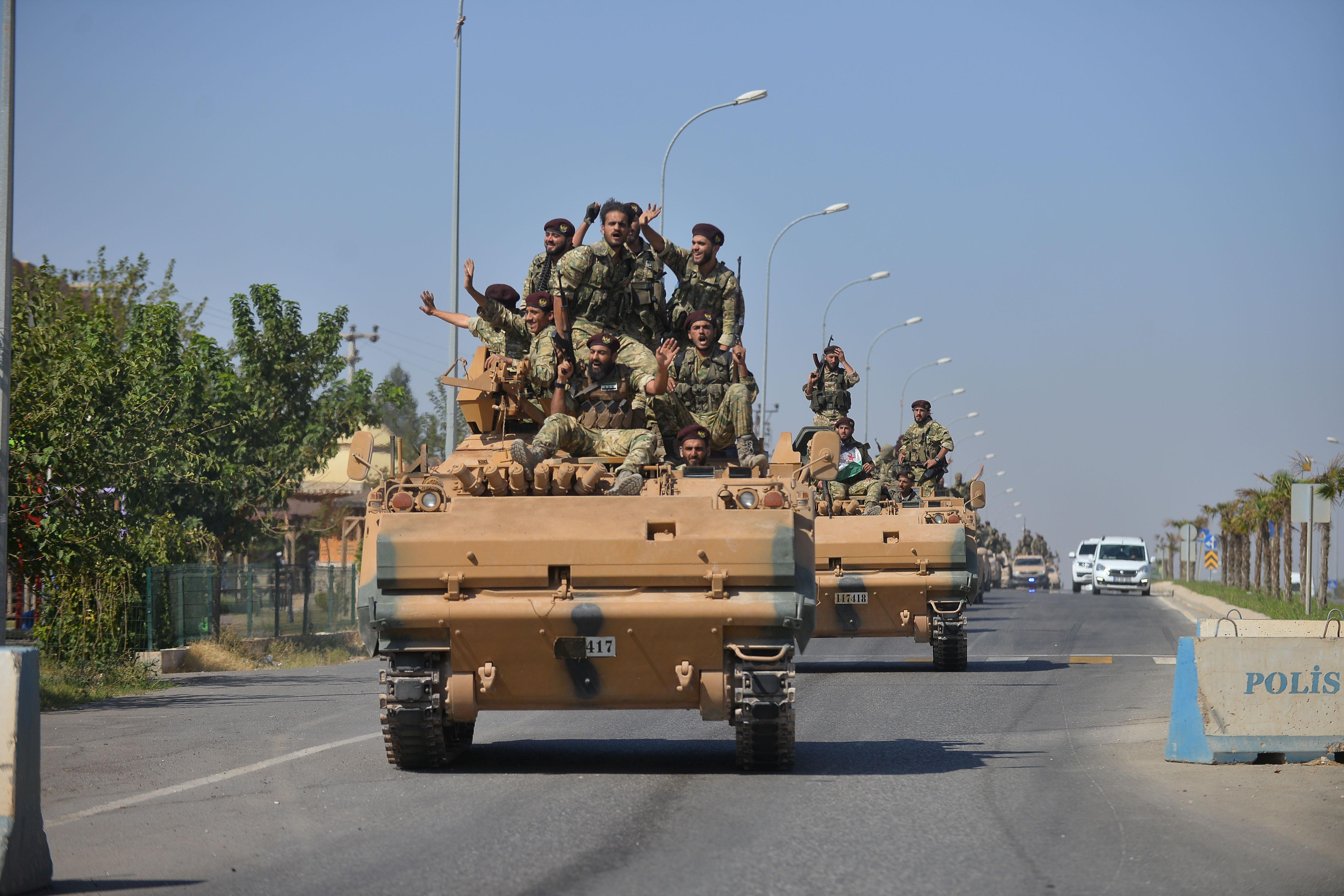 """""""Μπαμ"""" στην Συρία! Ο Άσαντ ξεκινά πόλεμο με την Τουρκία - Συμμάχησε με τους Κούρδους - Αναπτύσσονται ήδη τα στρατεύματα"""