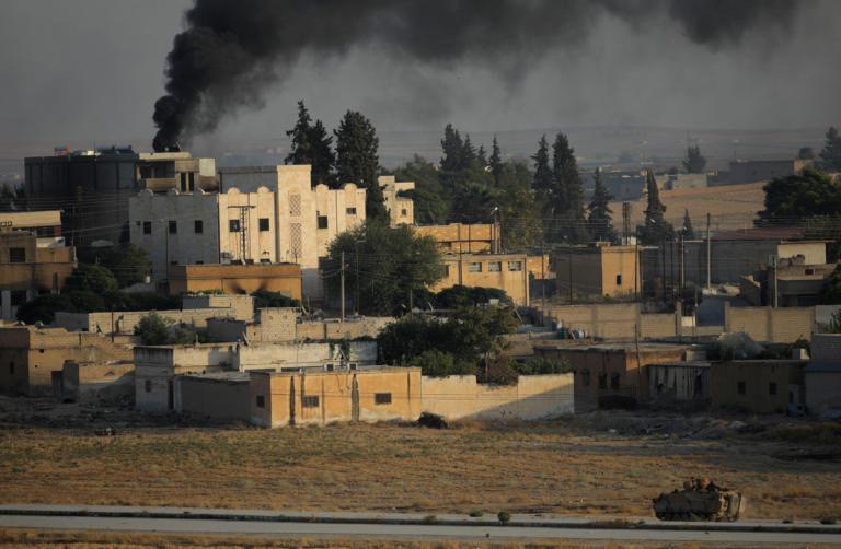 Συρία: Ποιοι εξυπηρετούνται από τη συμφωνία Κούρδων – Άσαντ