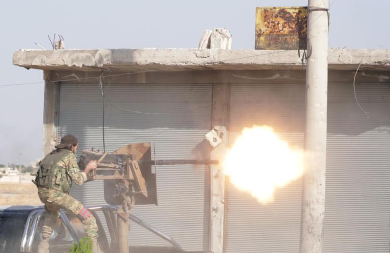 Συρία: Με το δάκτυλο στη σκανδάλη Τουρκικός και Συριακός στρατός στο Μάνμπιτζ