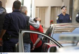 Θεσσαλονίκη: Εισβολή στο τουρκικό προξενείο – Μπήκαν σαν επισκέπτες και σήκωσαν πανό υπέρ των Κούρδων – video