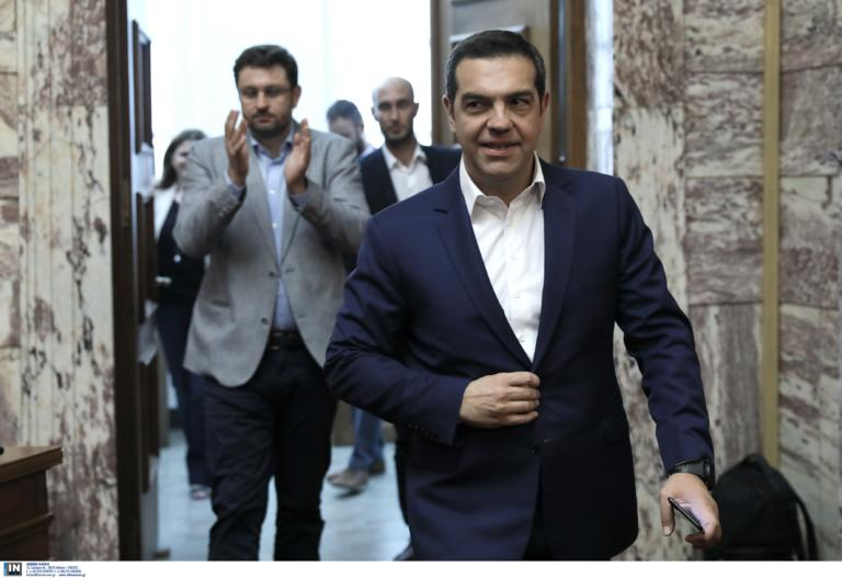 Αλέξης Τσίπρας: Του έστησαν… καρτέρι στο αεροπλάνο και τον αποκάλεσαν προδότη! video
