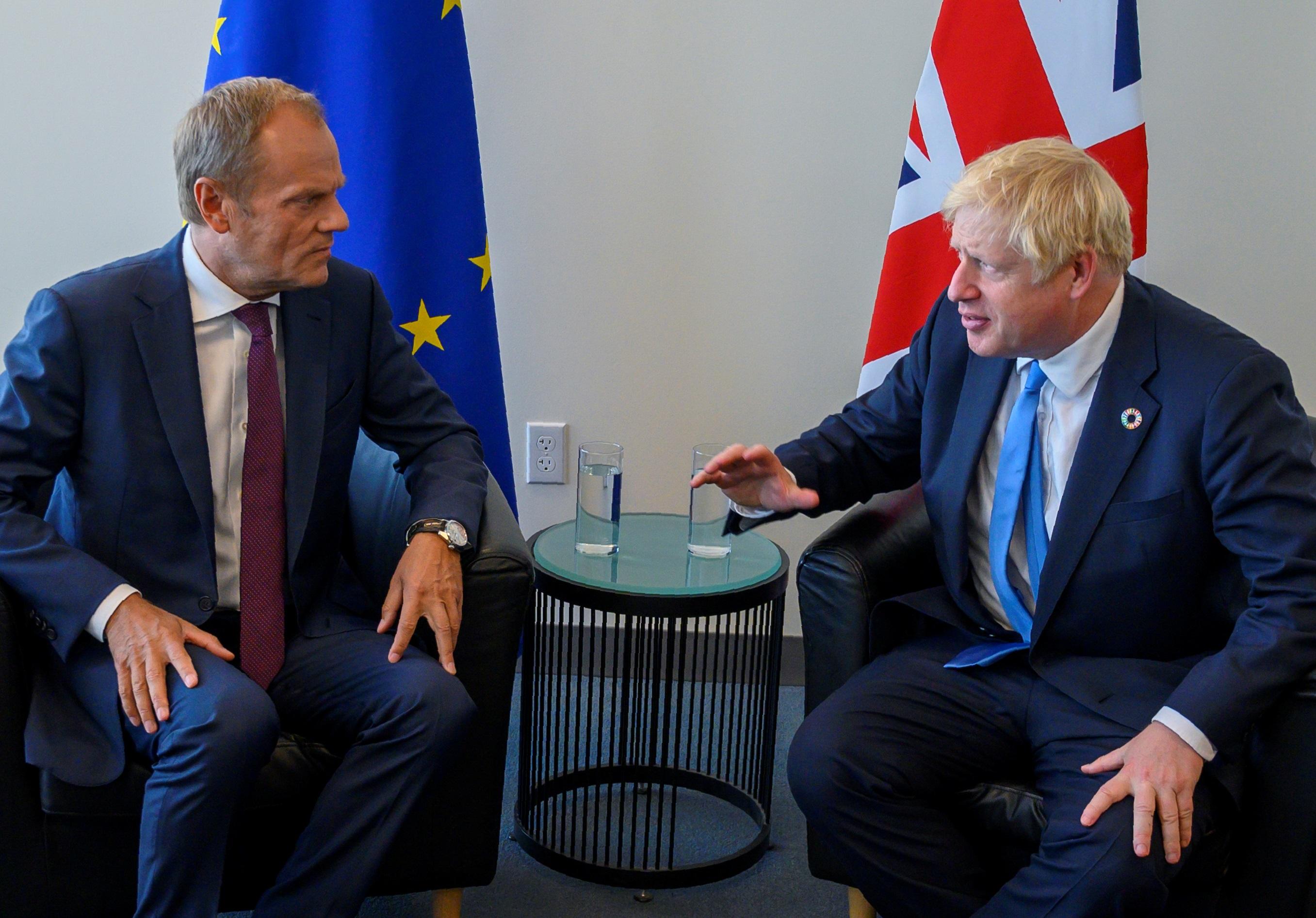 Brexit: Έξαλλος ο Ντόναλντ Τουσκ με τον Μπόρις Τζόνσον