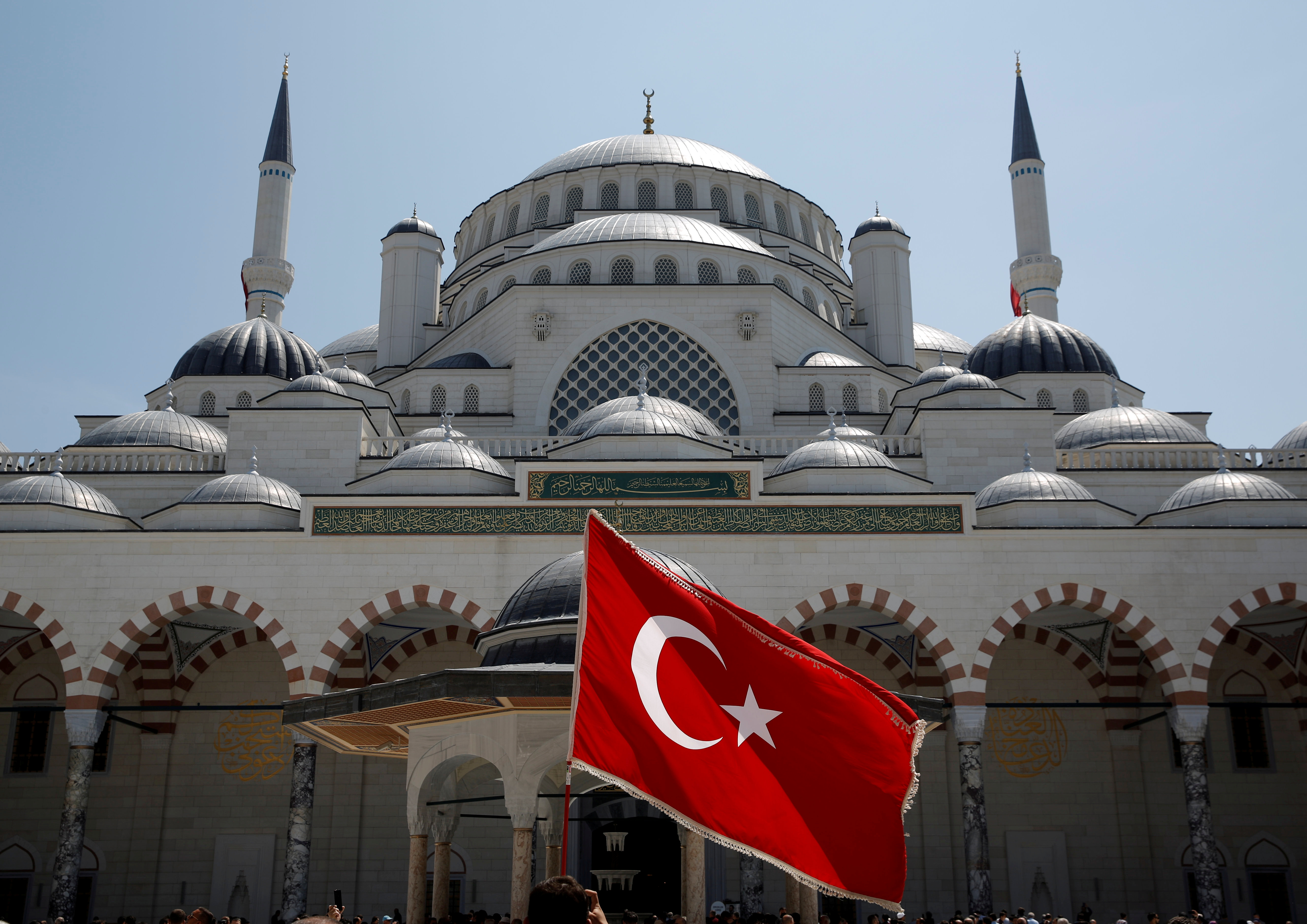 Έξαλλη η Τουρκία με την ΕΕ: Να σταματήσει να εκπροσωπεί Ελλάδα και Κύπρο