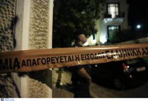 Κοζάνη: Του επιτέθηκε με σπασμένο μπουκάλι και τον έστειλε στο νοσοκομείο – Αγριότητες σε κεντρική πλατεία!