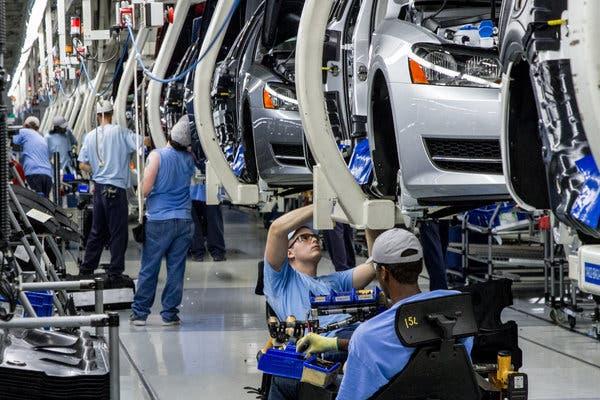 Αθέμιτο ανταγωνισμό καταγγέλλουν ευρωβουλευτές για το εργοστάσιο της VW στην Τουρκία