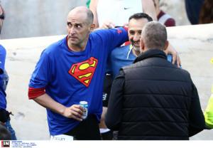 """Μαραθώνιος 2019: Ο """"Superman"""" Παναγιώτης Αγγελόπουλος και η… μπυρίτσα! pics"""