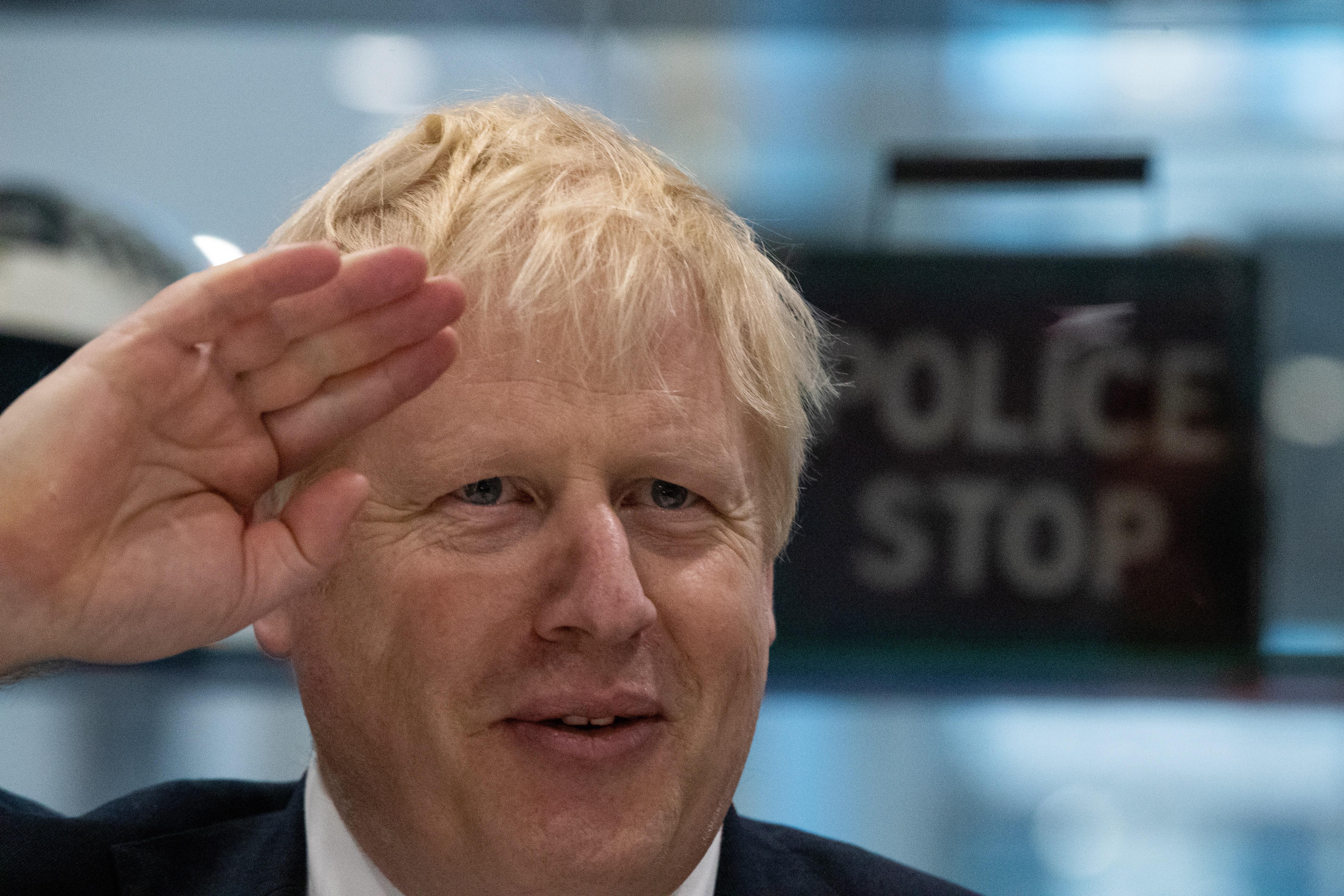 Νέα δημοσκόπηση στη Βρετανία: Μικραίνει το προβάδισμα του Τζόνσον