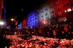 """Την 30ή επέτειο της """"Βελούδινης Επανάστασης"""" γιορτάζουν στην Τσεχία και τη Σλοβακία – video"""