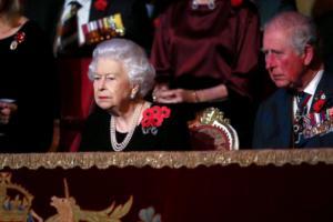 "The Sun: ""Παραιτείται η Βασίλισσα Ελισάβετ και αναλαμβάνει ο Κάρολος""!"