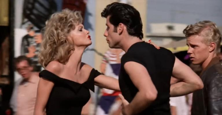 Grease: Για 405.700 δολάρια πωλήθηκε το σύνολο που φορούσε η Ολίβια Νιούτον Τζον! video