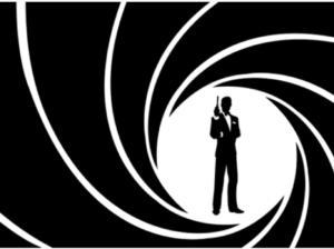 Πιρς Μπρόσναν: Από James Bond…βασιλιάς στην Σταχτοπούτα