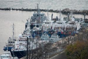 Ουκρανία: Παραδόθηκαν τα πλοία που είχε συλλάβει η Ρωσία στο στενό του Κερτς