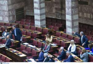 Βουλή: Υψηλοί τόνοι στη συζήτηση για πρώτη κατοικία και ΚΕΘΕΑ!
