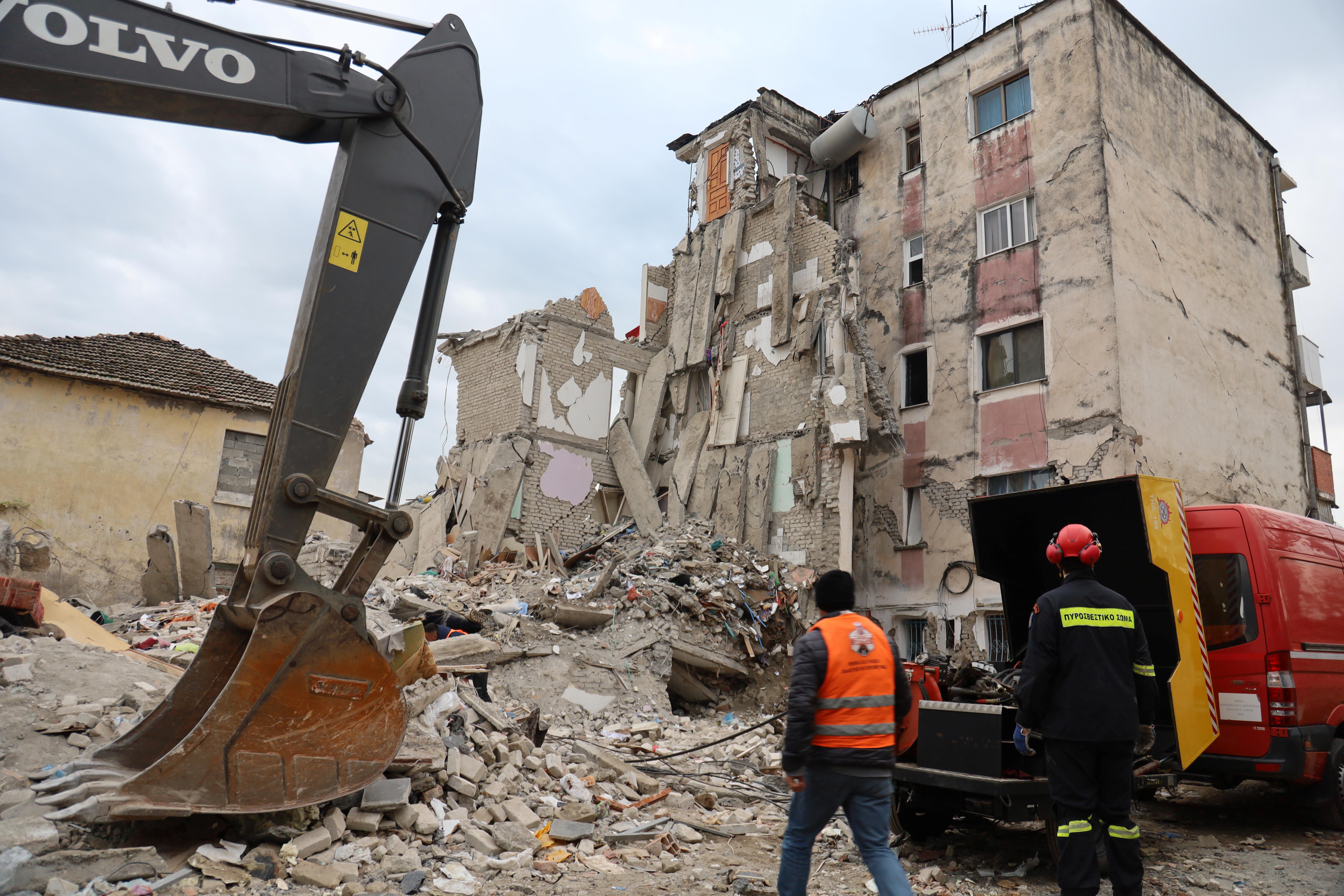 Στην Αλβανία Έλληνες μηχανικοί για την αξιολόγηση των κτιρίων που επλήγησαν από τον σεισμό