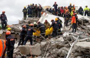 Αλβανία: Έφθασε στα Τίρανα νέα ανθρωπιστική βοήθεια από την Ελλάδα