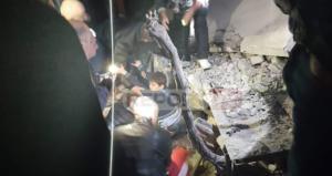 Σεισμός – Αλβανία: Η στιγμή της διάσωσης παιδιού από τα συντρίμμια – video