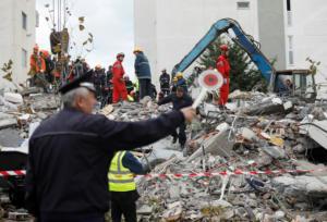 Σεισμός στην Αλβανία: Πανικός μετά τα 5,1 Ρίχτερ! Αγωνία για τους εγκλωβισμένους [video]