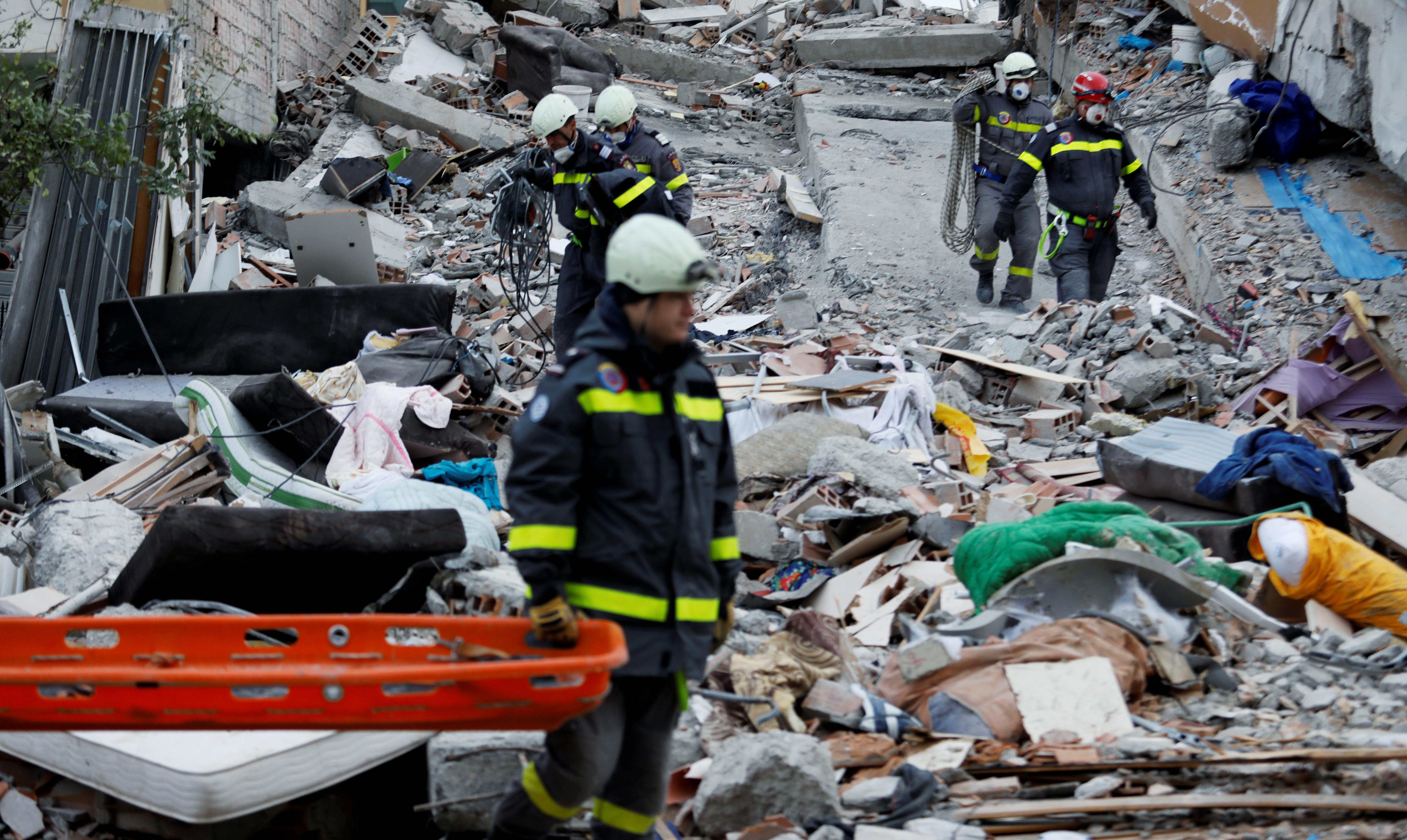 Σείεται συνεχώς η γη στην Αλβανία! Νέος σεισμός 4,9 ρίχτερ - Στους 40 οι νεκροί