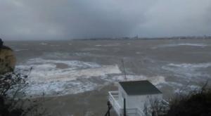 Η καταιγίδα Αμελί σαρώνει τη νοτιοανατολική Γαλλία – Video