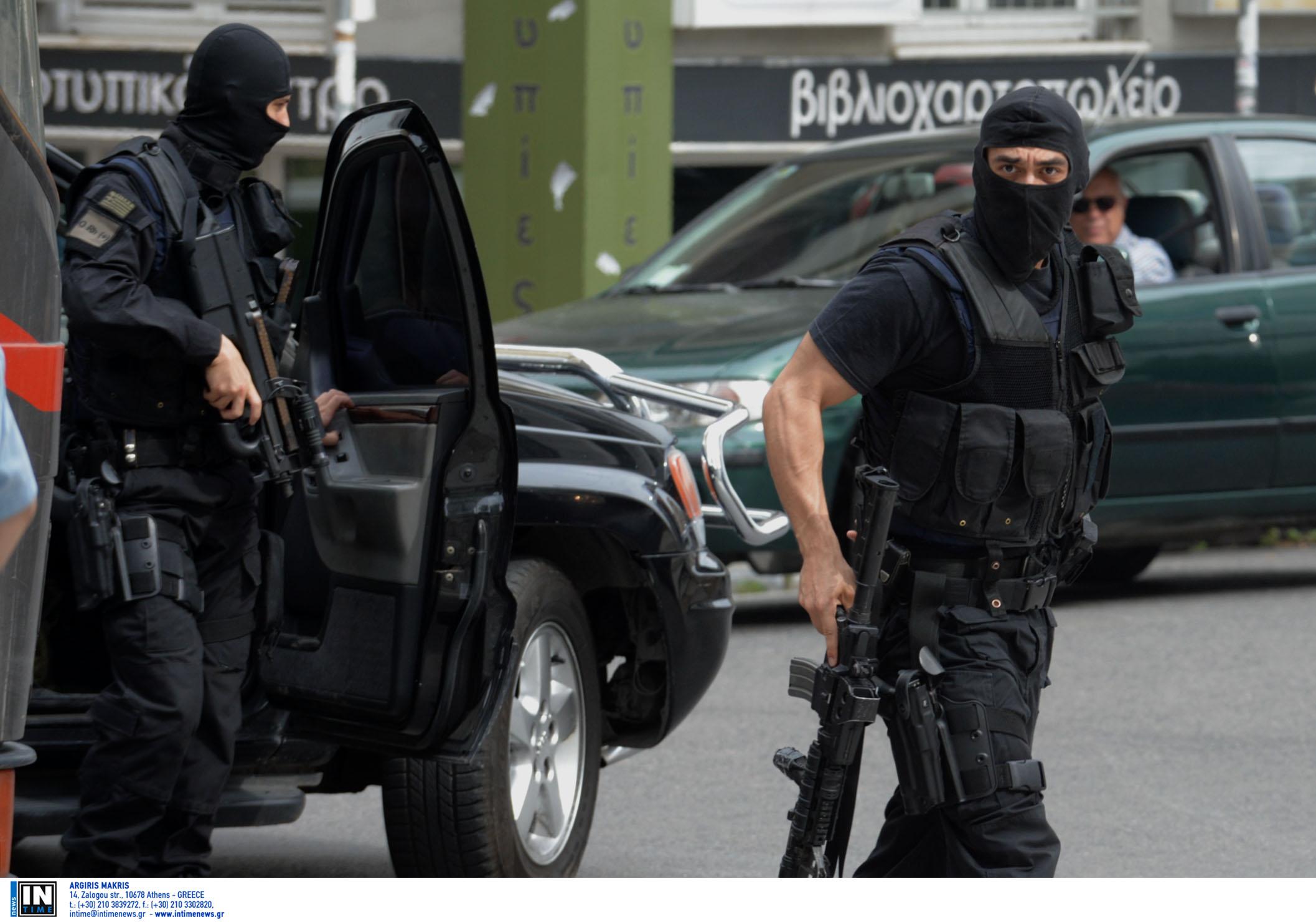 Το μεγάλο λάθος στη ληστεία στο Χολαργό που έφερε συλλήψεις - Ετοίμαζαν χτύπημα οι τρομοκράτες – Βρέθηκε το καλάσνικοφ της Επαναστατικής Αυτοάμυνας