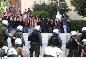"""""""Μετωπική"""" ΝΔ – ΣΥΡΙΖΑ για τα Πανεπιστήμια – """"Ταυτίζονται με τους μπαχαλάκηδες"""""""