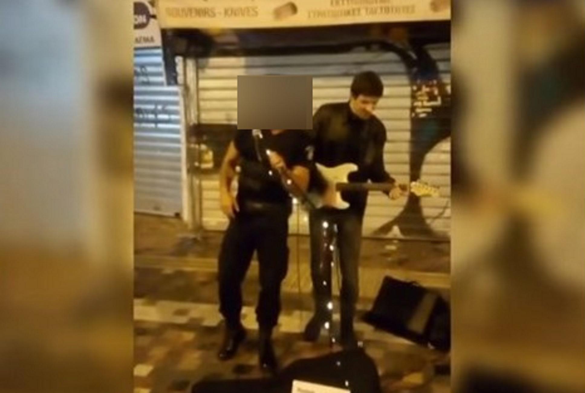 Μοναστηράκι: Αστυνομικός άρπαξε το μικρόφωνο και άφησε άφωνο τον κόσμο – Η εκπληκτική φωνή του και η αποθέωση
