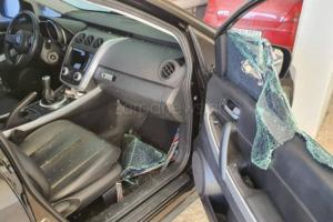 Χανιά: Έκανε γυαλιά καρφιά τα παρκαρισμένα αυτοκίνητα και επέστρεψε πίσω στη φυλακή [pic]