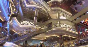 Ηράκλειο: Εικόνες χλιδής από το πλωτό παλάτι που έφερε στην πόλη 3.000 τουρίστες