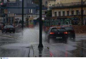 Καιρός: Η «Βικτώρια» σαρώνει… παντού! Κλειστά σχολεία στην Κέρκυρα