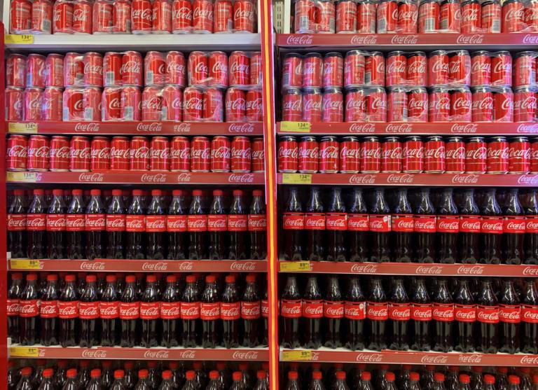 Η Coca Cola πάει και με το lockdown: Αυξήθηκε η κατανάλωση αναψυκτικών στο σπίτι