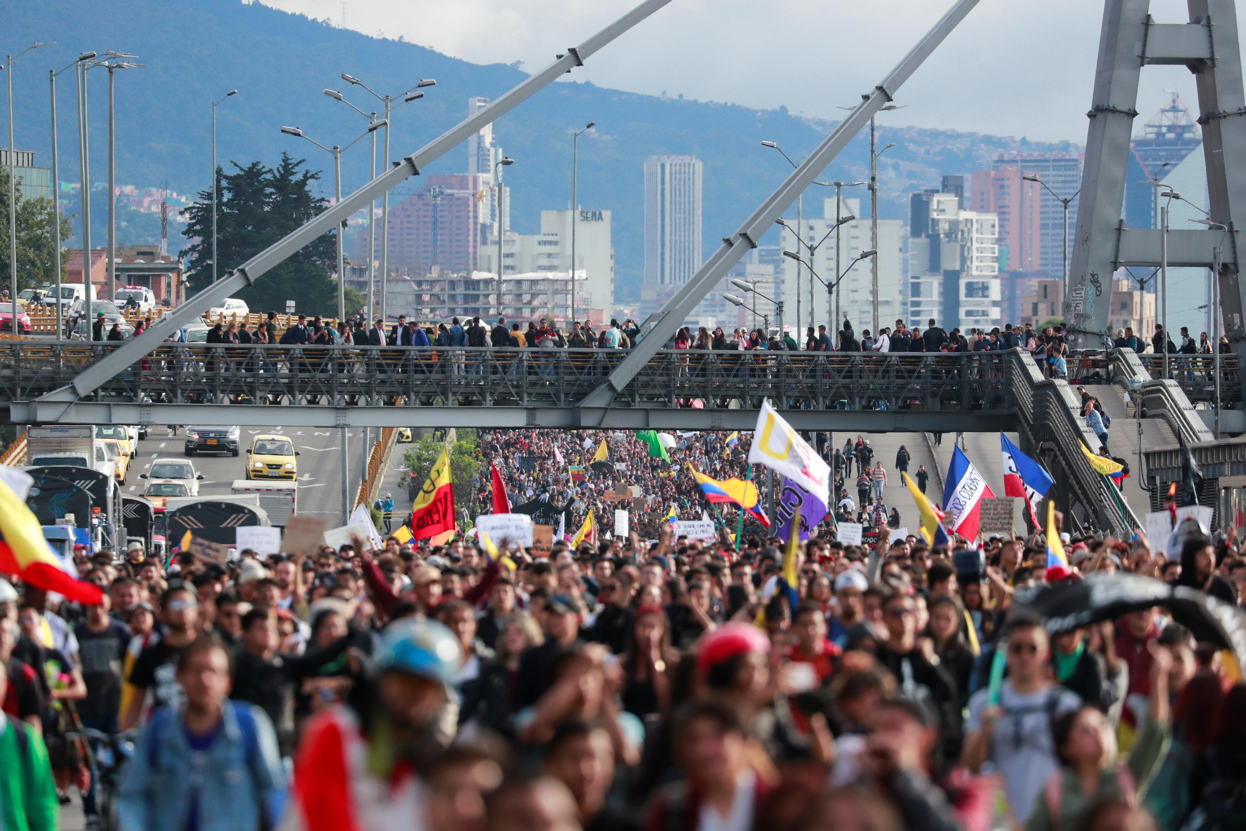 Κολομβία: Χιλιάδες ξανά στους δρόμους! «Όχι άλλη διαφθορά»