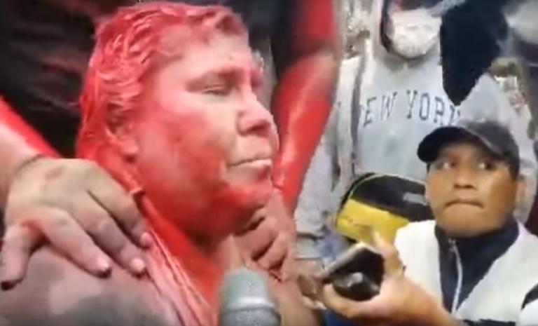 Βολιβία: Παγκόσμιος σάλος για τη δήμαρχο που κούρεψαν και έλουσαν με μπογιά