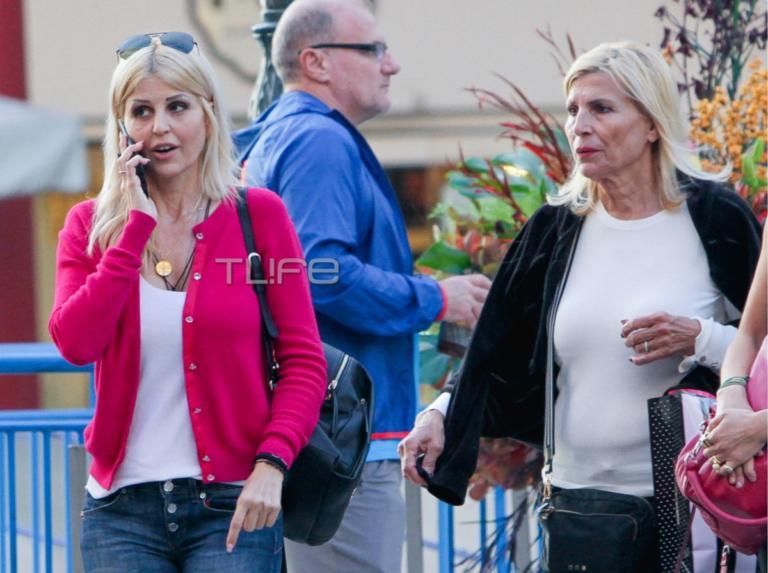 Έλενα Ράπτη: Η βουλευτής με τη μητέρα της, βόλτα στη Θεσσαλονίκη! [pics]