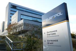 Europol: Περιορίστηκε το Ισλαμικό Κράτος στο διαδίκτυο