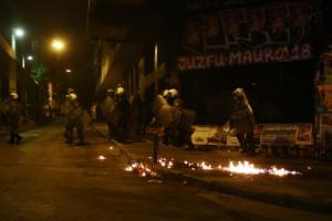 Πολυτεχνείο: Αψυχολόγητο ντου, επίθεση ΜΑΤ σε ρεπόρτερ του newsit.gr και ανοιγμένα κεφάλια!