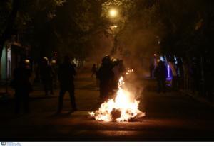 Πολυτεχνείο – αρχηγείο ΕΛΑΣ: Ο απολογισμός των επεισοδίων – Συλλήψεις, τραυματισμοί και κατασχέσεις