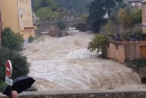 Γαλλία: 4 νεκροί από τις καταστροφικές πλημμύρες στην Κυανή Ακτή – video