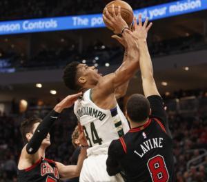 """""""Άλωσαν"""" την Ιντιάνα οι Μπακς του Αντετοκούνμπο! Τα αποτελέσματα στο NBA – video"""