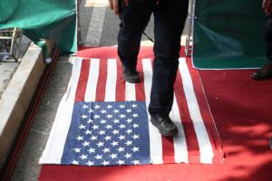 Ιράν: «Θάνατος στην Αμερική» το σύνθημα σε διαδηλώσεις